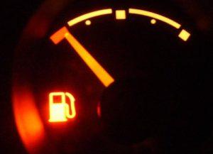 Significado das luzes do painel: combustível